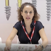 Bibiana hablando de implantes